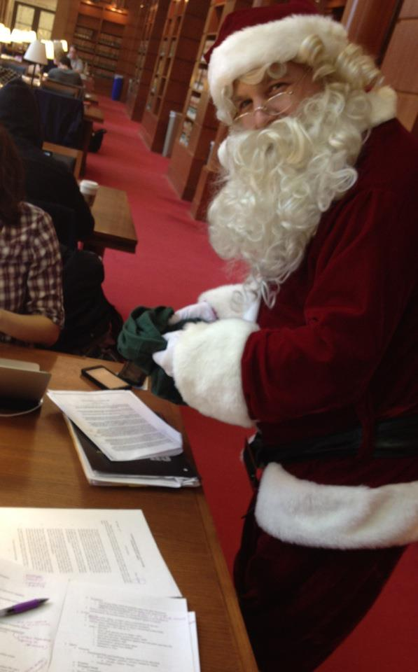 Santa visits the Oakley Reading Room